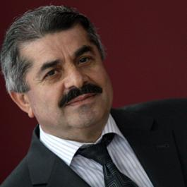 M. Latif SALİHOĞLU - Ey devletlûler! Demokraside yarışın...