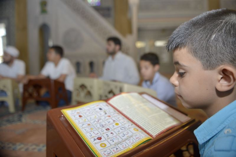 Bu yöntemle çocuklara 2 günde Kur'an öğretiyor - YENİ ASYA