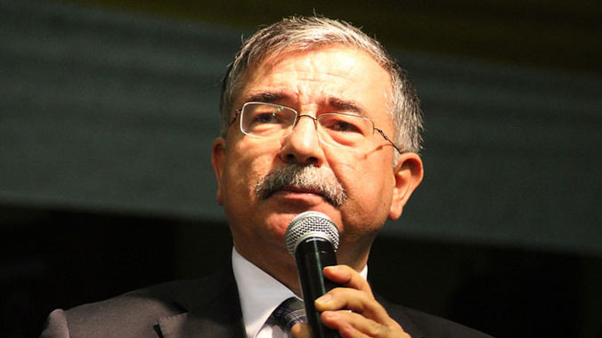 İSMET YILMAZ Meclis başkanı seçildi
