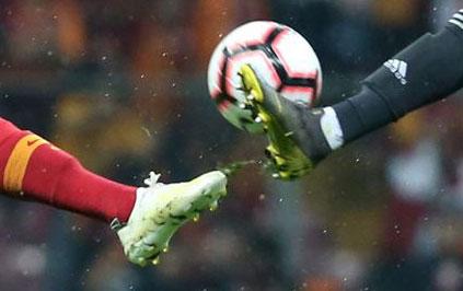 Beşiktaş ile Galatasaray yarın karşı karşıya gelecek